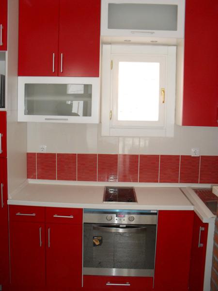male kuhinje raspored 20170808051447 zanimljive ideje za dizajn svoj dom prostor. Black Bedroom Furniture Sets. Home Design Ideas
