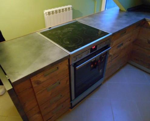 kuhinja-u-potkrovlju-posle (4)