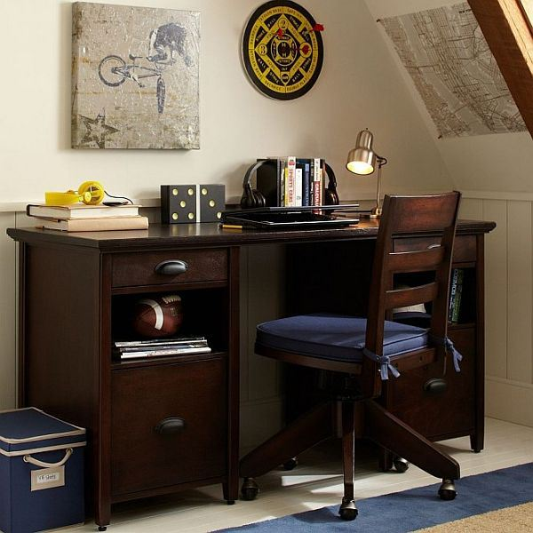boys-study-space-dark-desk