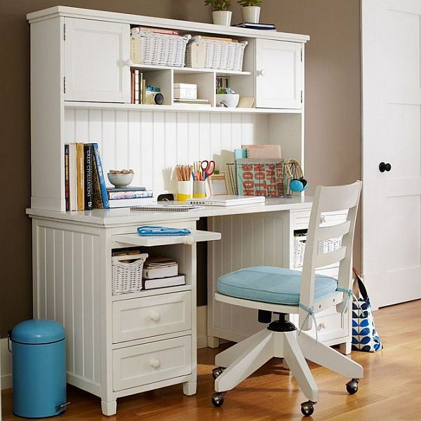 girl-office-desk-white-and-blue-and-coffee