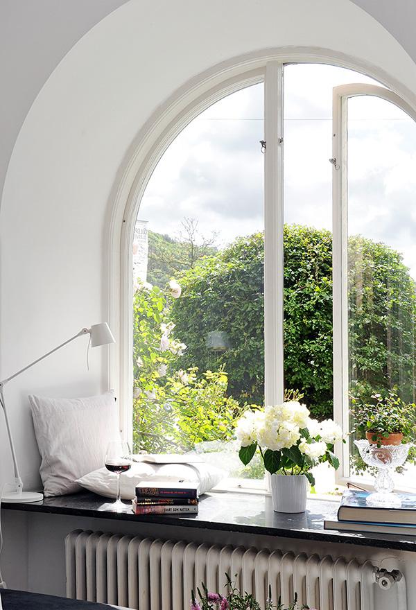 Window-Seat-Ideas-48-1-Kindesign