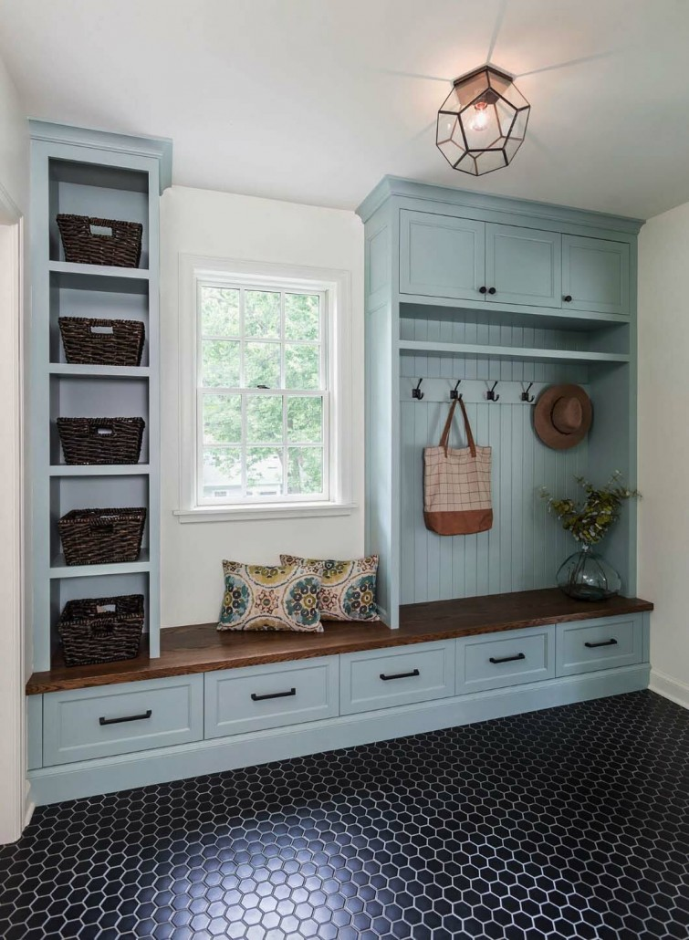 Fantastic-Mudroom-Ideas-Offering-Storage-01-1-Kindesign