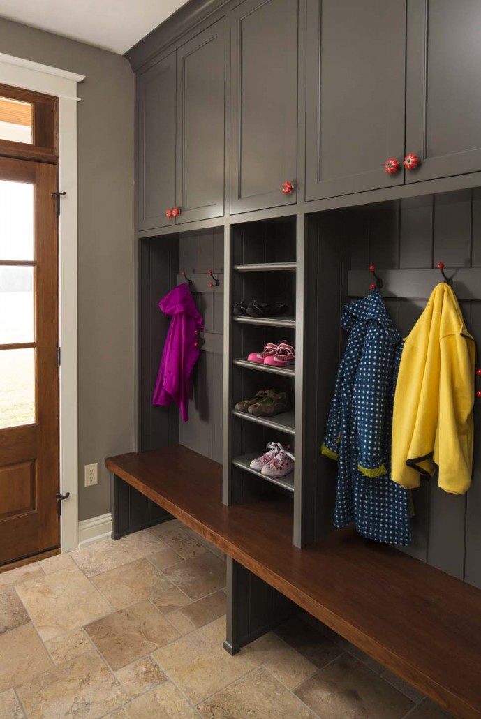 Fantastic-Mudroom-Ideas-Offering-Storage-23-1-Kindesign