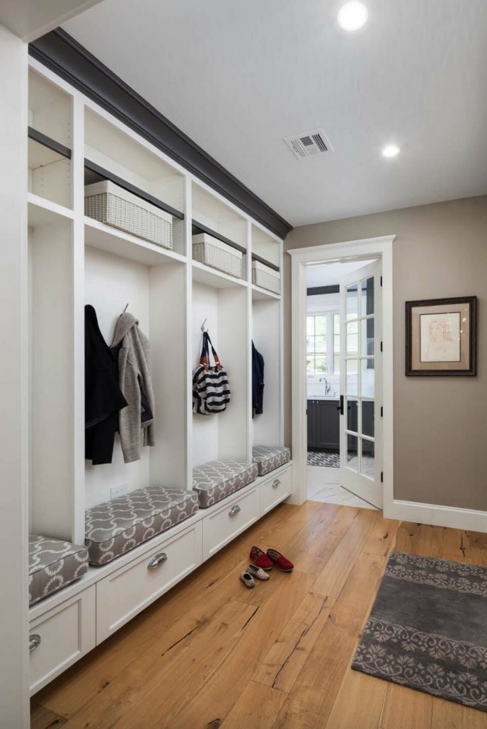 Fantastic-Mudroom-Ideas-Offering-Storage-28-1-Kindesign