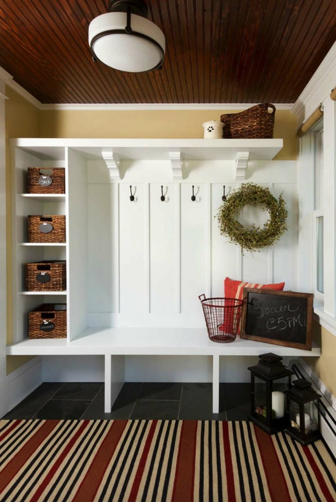 Fantastic-Mudroom-Ideas-Offering-Storage-32-1-Kindesign